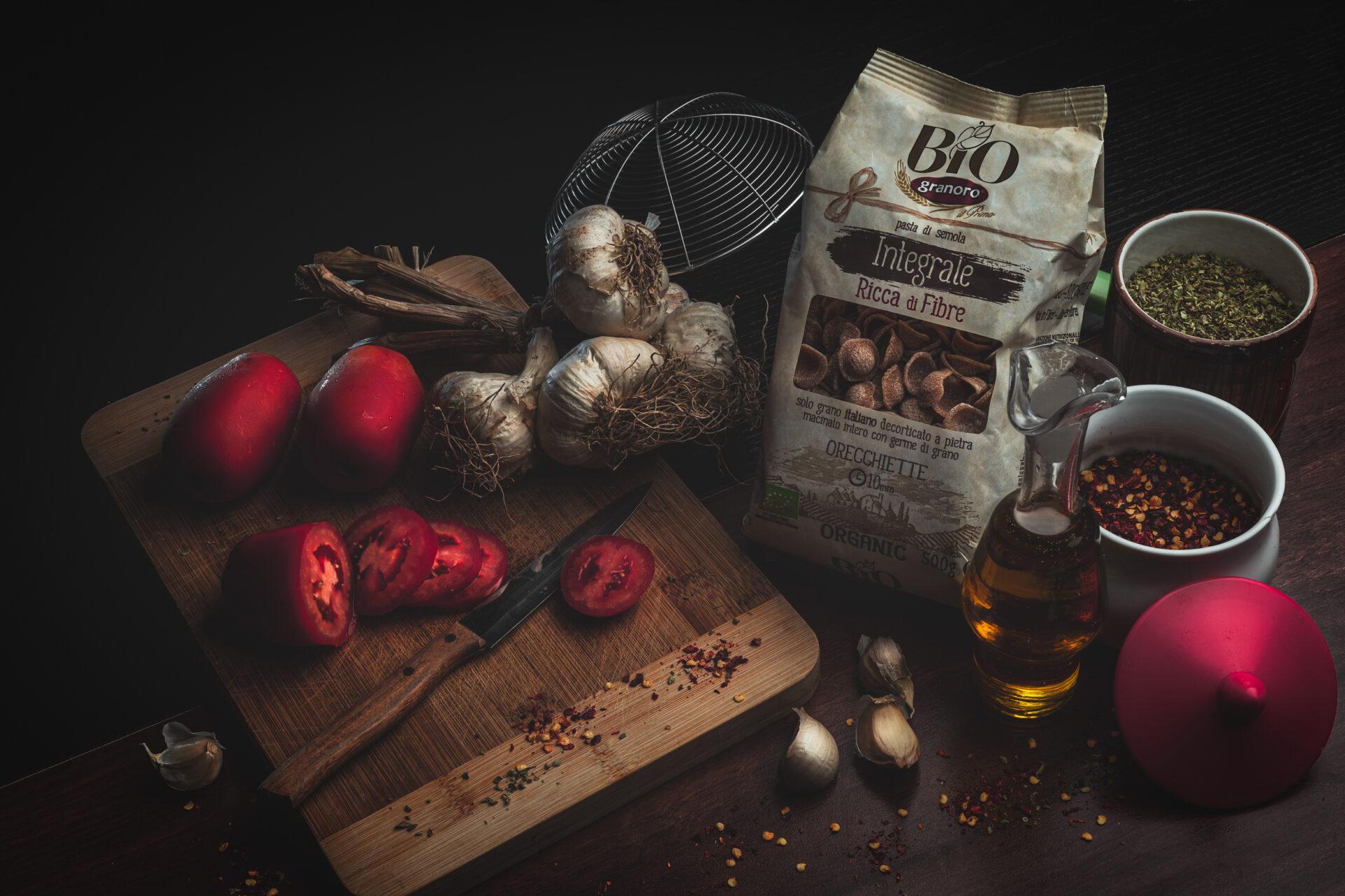 Still life granoro photo, pasta tomatoes garlic